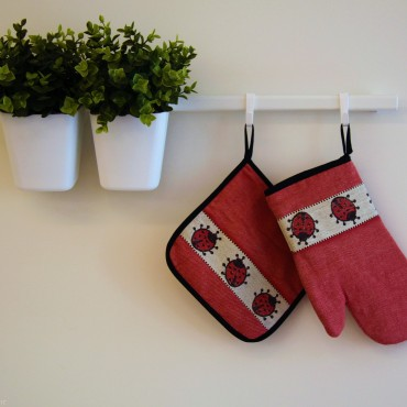Kitchen mitt + potholder set JOANINHA | by COELIMA