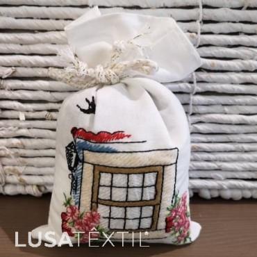 Bolsita bordada de lavanda - Janela